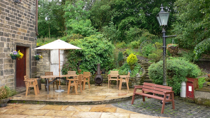 Perfect Maintenance Free Outdoor Furniture