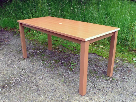 Thames Garden Table | Synthetic Wood | Recycled Plastic