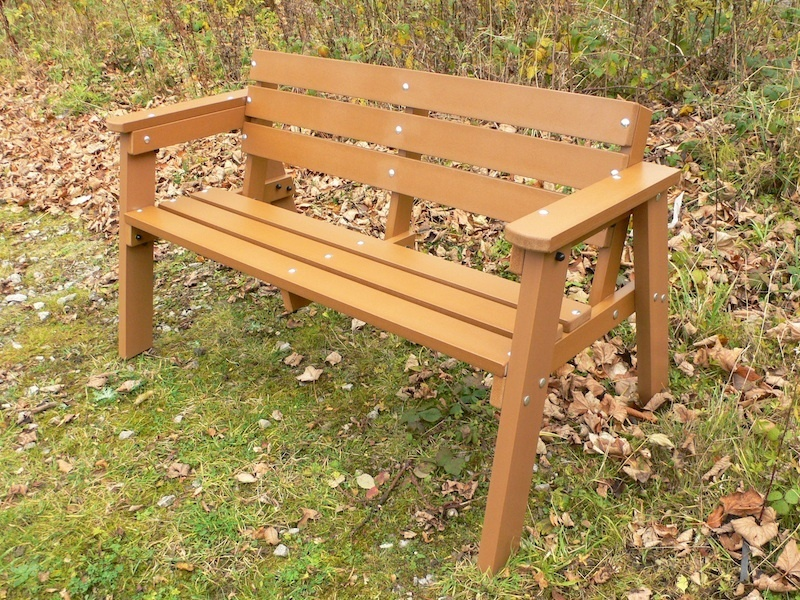 Recycled plastic garden bench seater