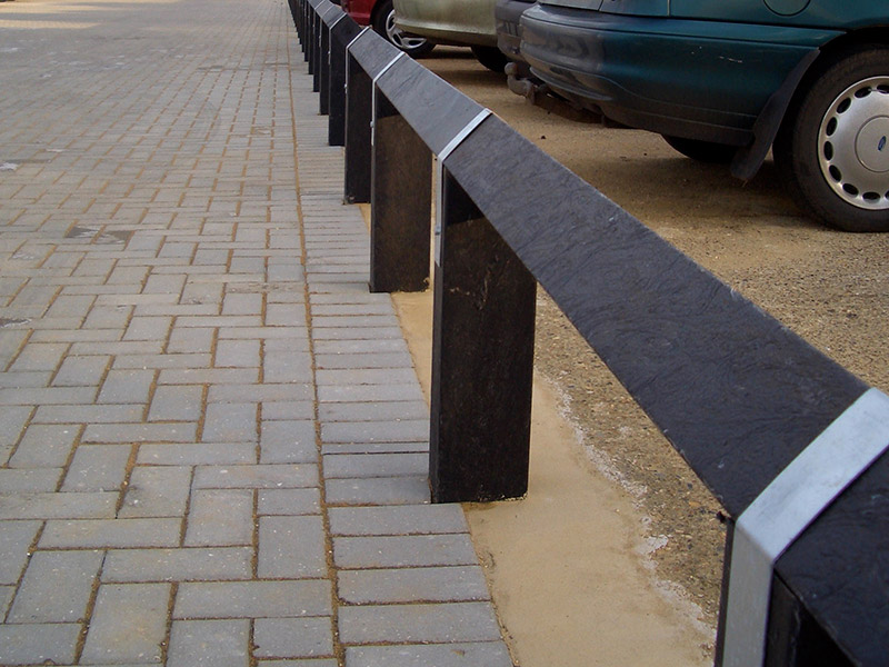 recycled plastic birds mouth fencing from kedel in car park