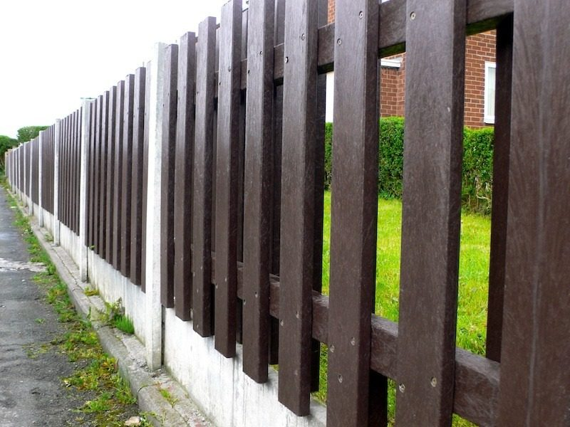 5 Signs That You Need A New Fence