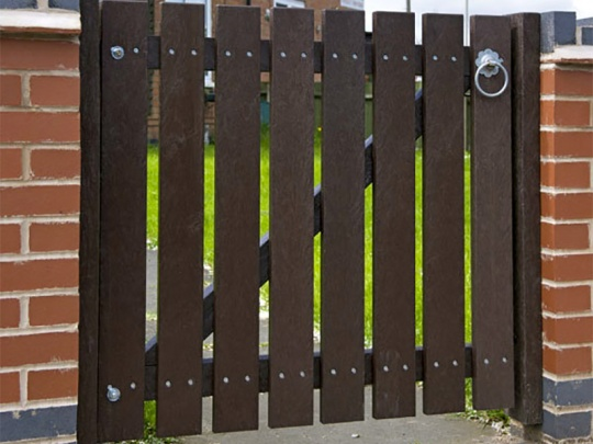 Recycled Mixed Plastic Gate