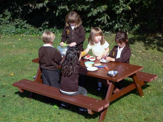 Recycled Plastic Children's Picnic Table | Thames Delux