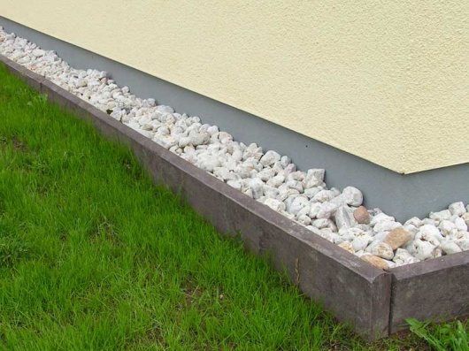 Recycled Mixed Plastic Border Edging | Kerb Stone | 260 x 50mm
