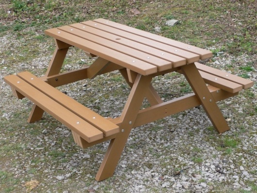 Traditional Recycled Plastic 6 Seater Picnic Table | Thames