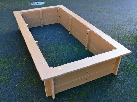 Delux Raised Bed with Seat Surround - Recycled Plastic (2 x 1m)