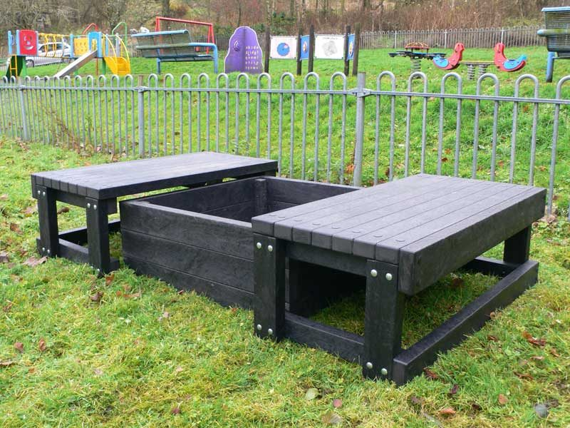 Sand pit with 2 seats | Recycled Plastic
