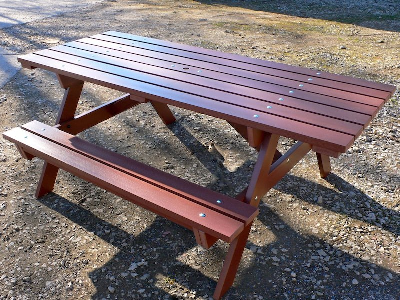 Recycled Plastic Picnic Table | Wheelchair Access | Thames Picnic Table