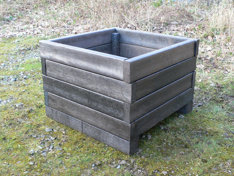 Raised Bed With Storage